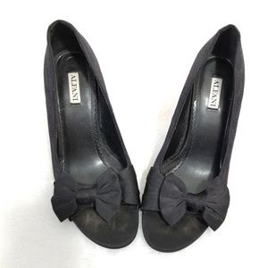 Alfani| 😍 Black Leather Pumps with Bows and Lace